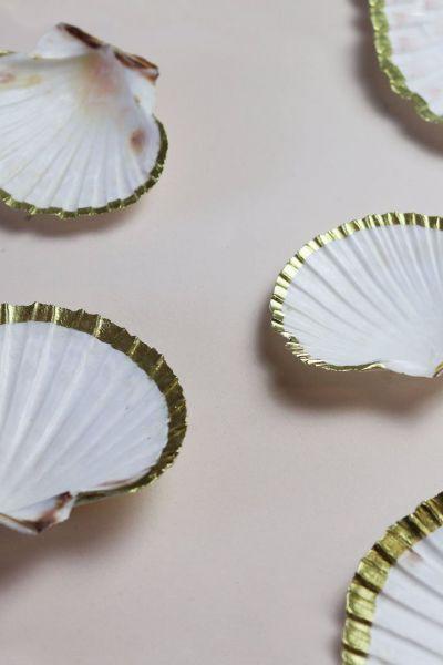 Gold Trim Clam Shell Dish Jewellery Trinket Holder