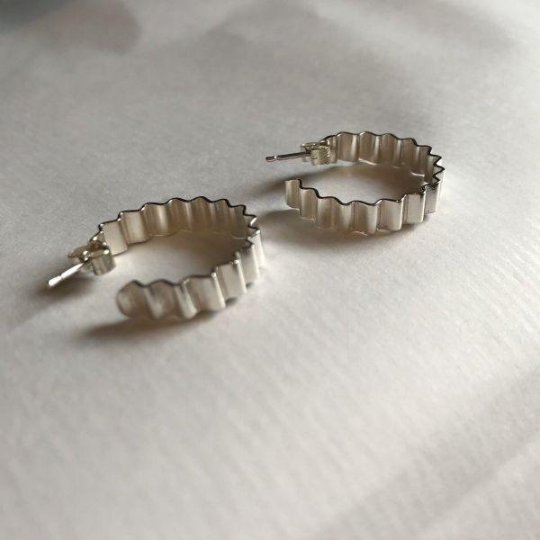 Classic Ondulee Hoop Earrings   Sterling Silver