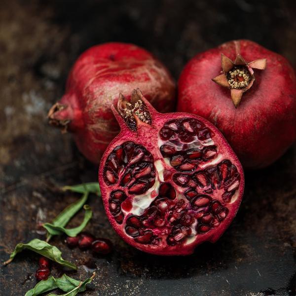 Square Cloth - Pomegranate on Black