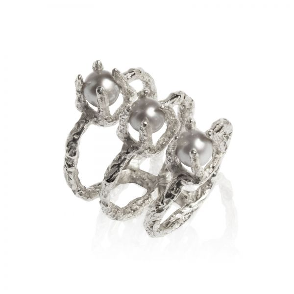 Handmade statement silver ring with 3 pearls