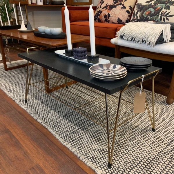 VINTAGE 1970'S COFFEE TABLE I am Nomad